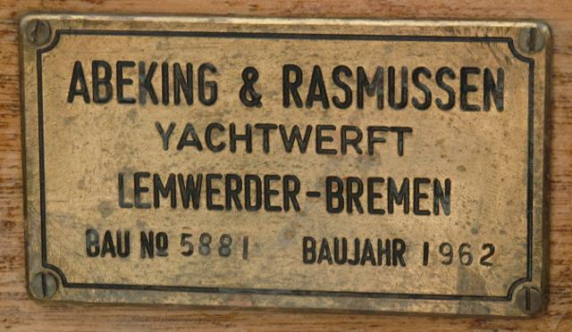 Holzpirat-Abeking-und-Rasmussen-Werftplakette-CIMG32290
