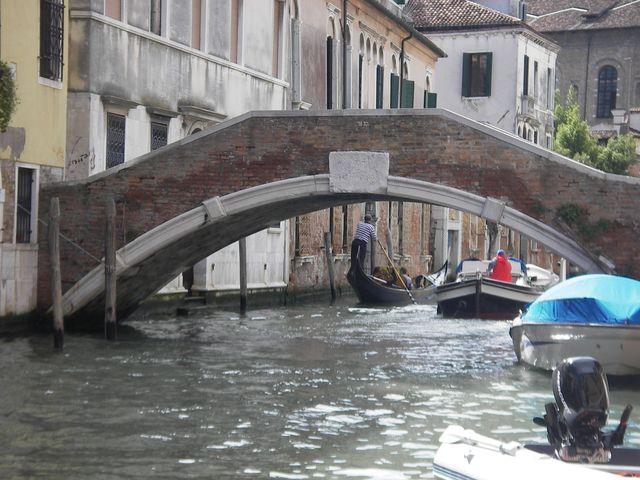 holzpirat org Venedig  enge Gassen