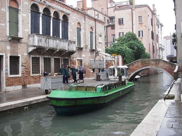 holzpirat org Venedig  Arbeitskahn