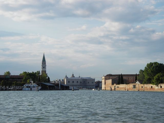holzpirat org Venedig  Durchfahrt canale della Grazia