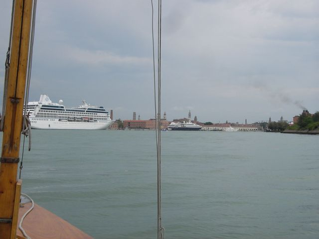 holzpirat org Venedig  Einfahrt Canale della Giudecca