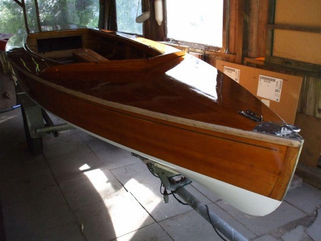 E3-Holzpirat-G2998-Rumpf-fertig-lakiert