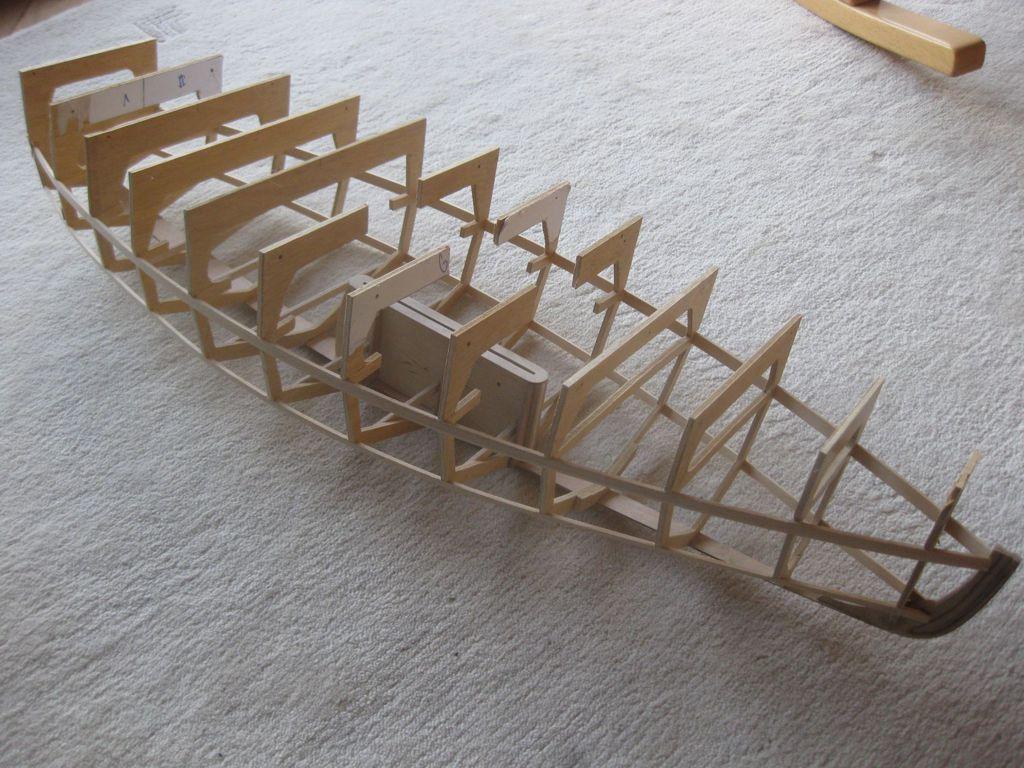 pluh99-Modell-Spantengerippe02_klein