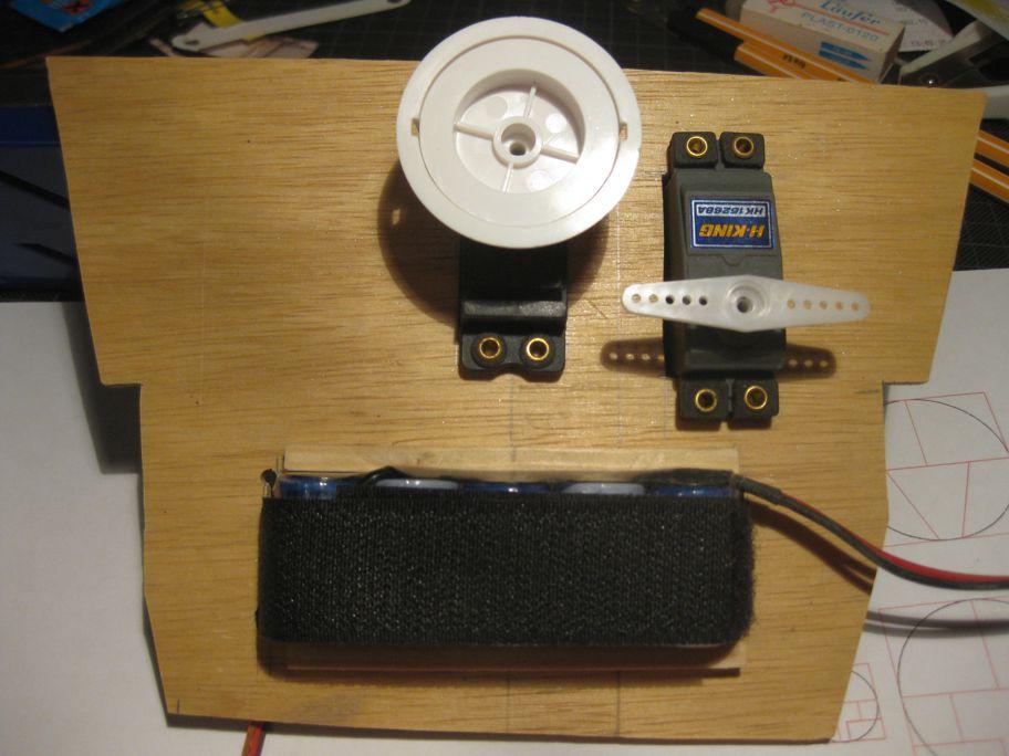 pluh99-Modell-Technikbrett01
