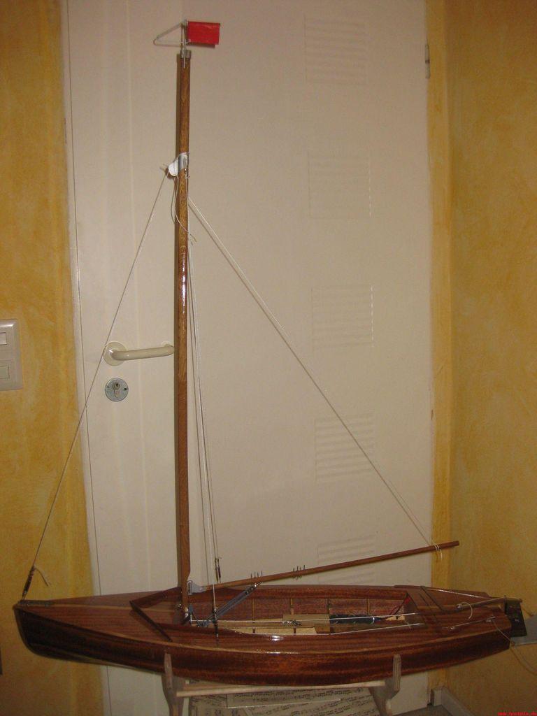 pluh99-Modell-Pirat_mit_Mast_klein