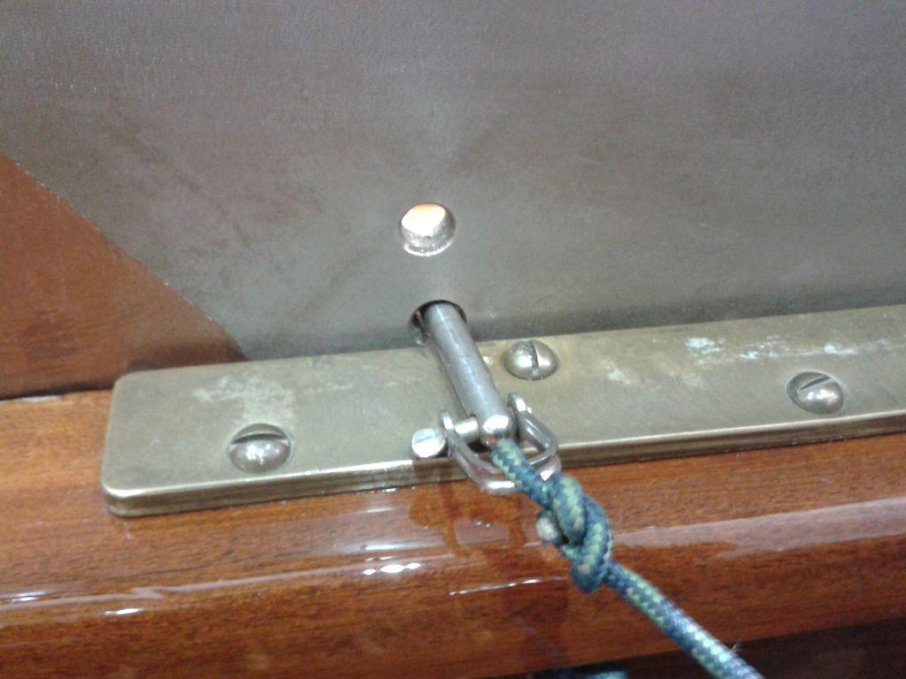 Elb-H-Jolle-Schwert-Transportsicherung