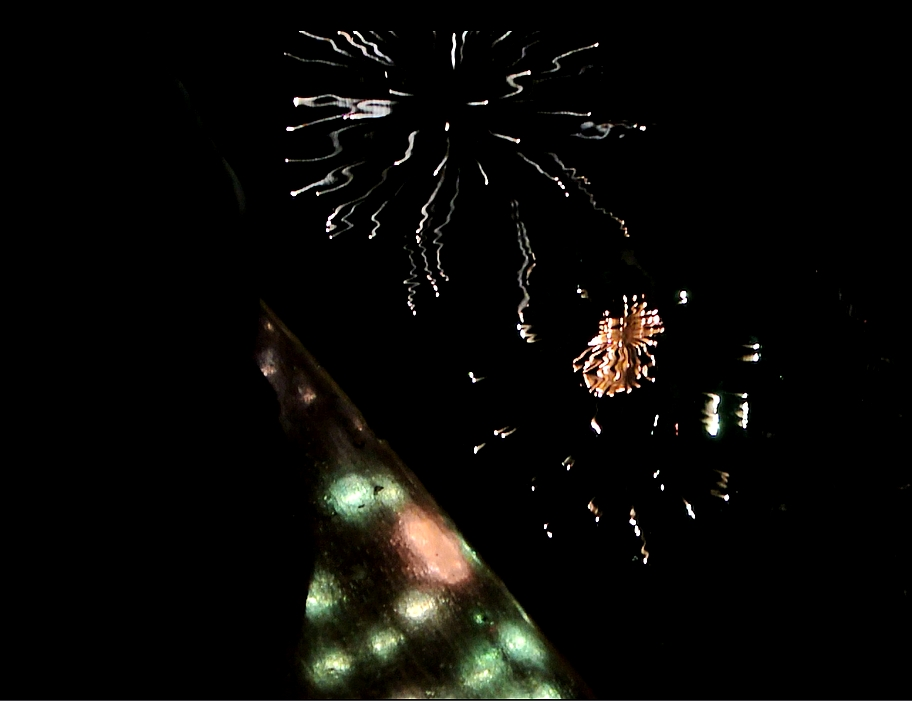 flame1-Feuerwerk-auf-dem-Holzdeck