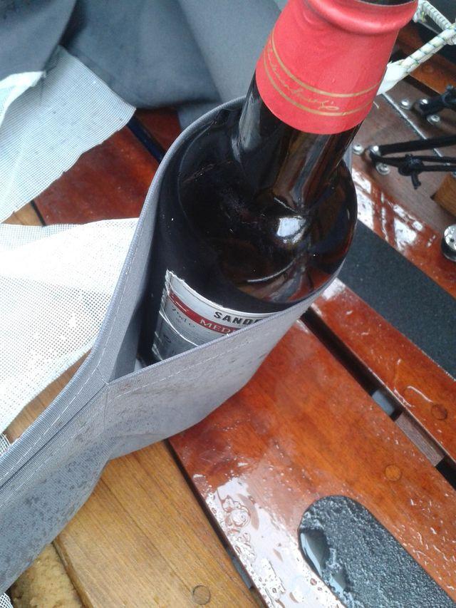 flaschenhalter-im-holzpirat