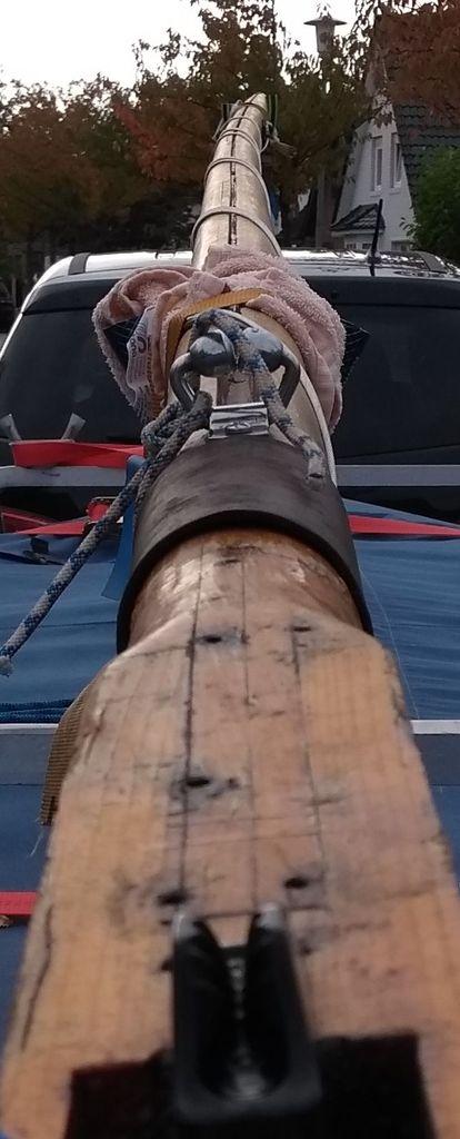 Krummer Mast