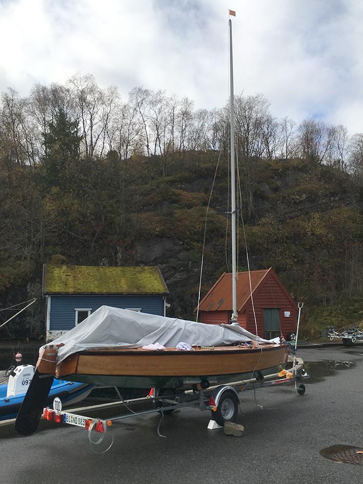 Holzpirat auf Anhaenger in Norwegen